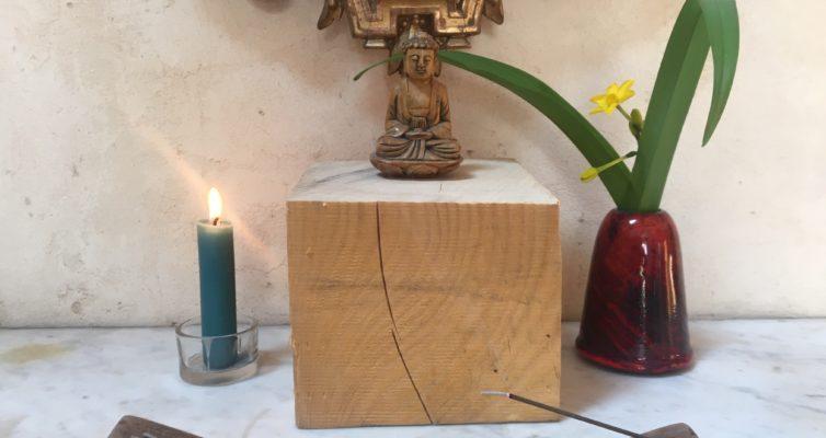Autel avec bouddha